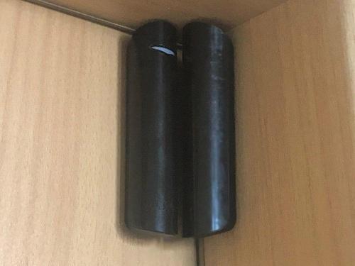 Фото датчик открытия дверей и окон Ajax DoorProtect