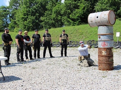 """Личная охрана, фотография с """"Курсов телохранителей"""""""